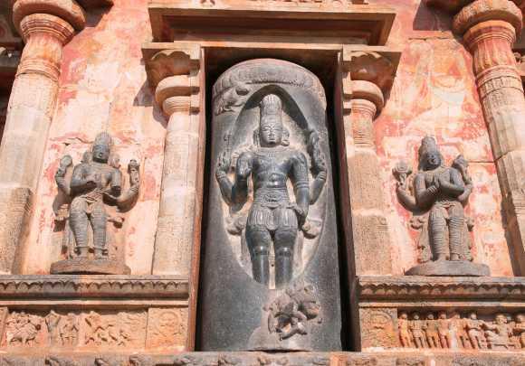 Lingodbhava murti story